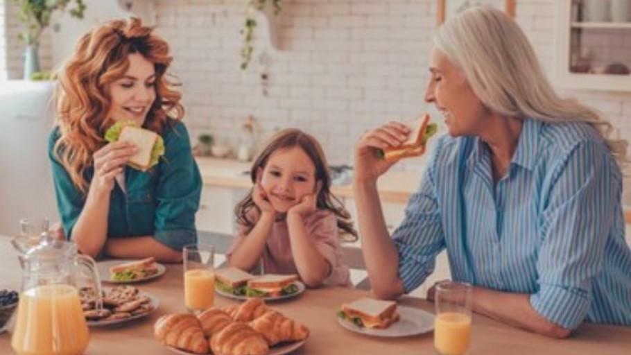 Arti Generasi Sandwich Serta Cara Memutus Rantainya