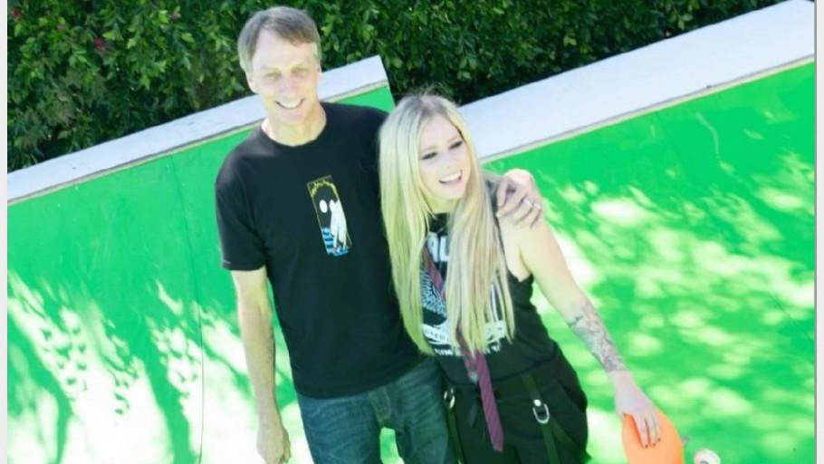 Sosok Tony Hawk, Sk8er Boi Sukses di Video TikTok Avril Lavigne