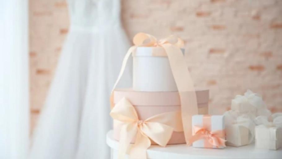 7 Rekomendasi Kado Pernikahan yang Bermanfaat untuk Sahabat