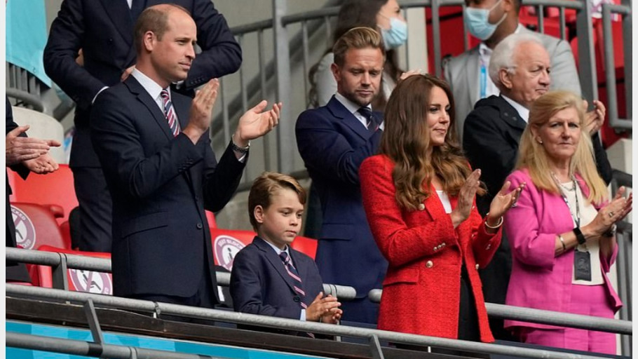 Aksi Pangeran William dan Keluarga Saat Nonton Inggris vs Jerman