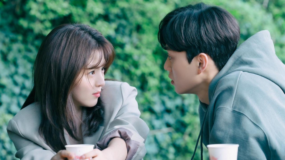 Song Kang Minta Cium Han So Hee Lebih Lama di BTS Nevertheless