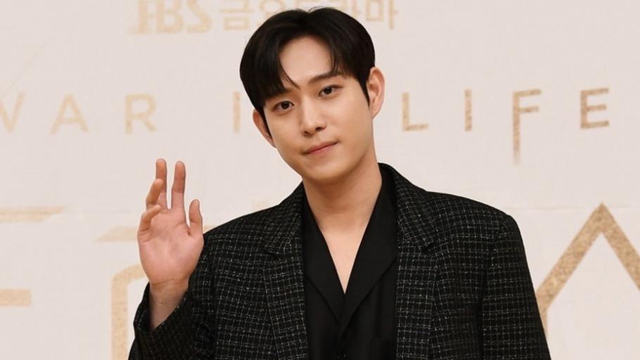 Kembali Bermasalah, Kim Young Dae Keluar dari Drama School 2021