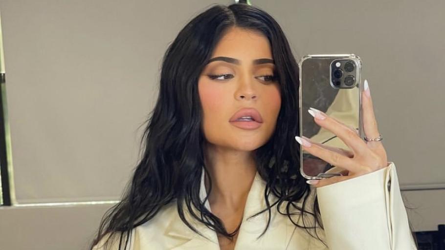 5 Trik Kylie Jenner Promosikan Produk Lewat Sosial Media