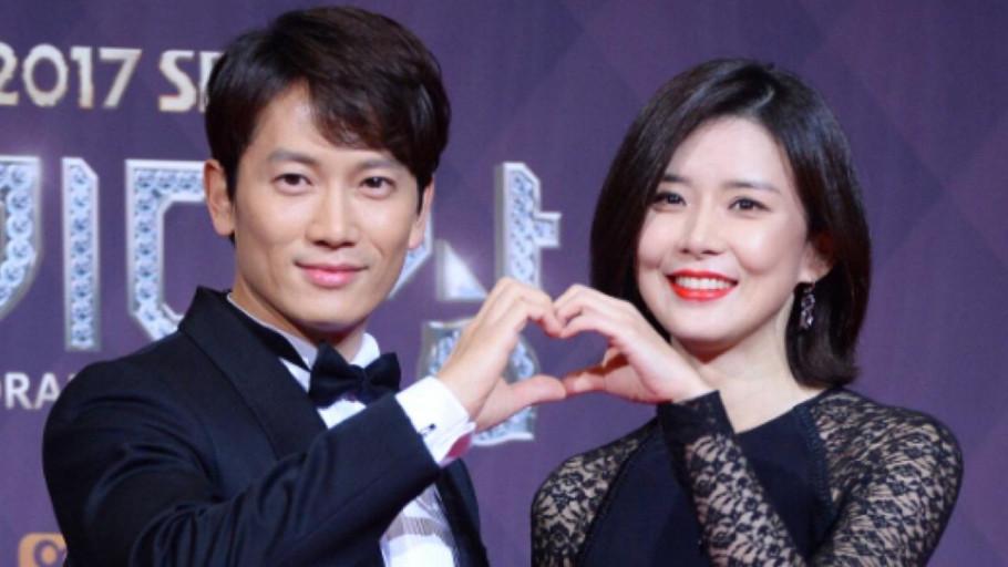 Kisah Cinta Ji Sung dan Lee Bo Young, Wajah Anak Disembunyikan