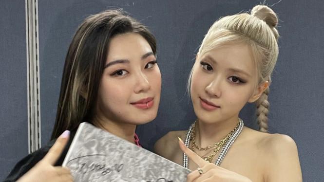 Lee Jung YGX dan Rose Blackpink